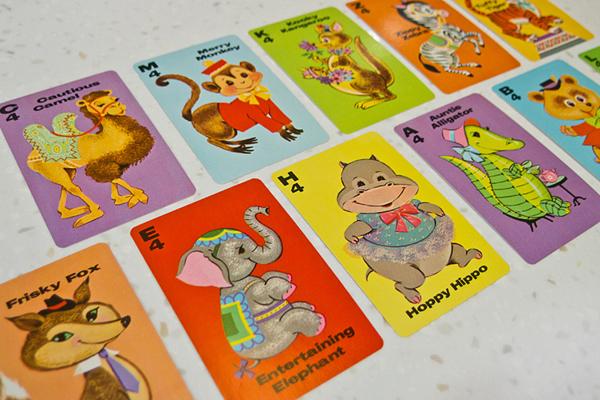 復古插畫遊戲卡蒐藏